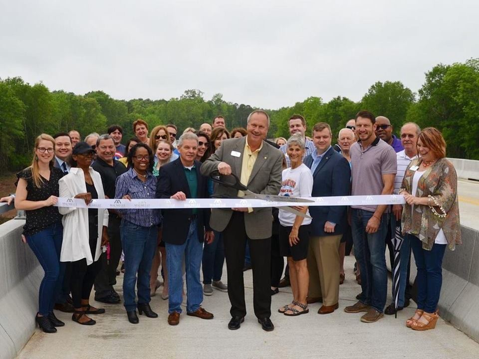 White Oak Crossing Ribbon Cutting